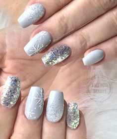 Sliver Glitter Winter Nail Design