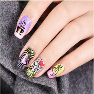 Cute Valentine Nail Design