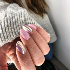 Holographic and Metallic Summer Nail Designs
