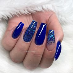 Blue Nail Polish Designs-9 Glitter nails