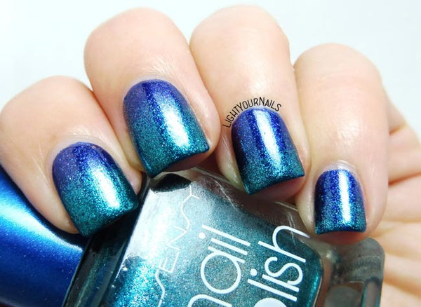 Metallic Gradient Nail Art
