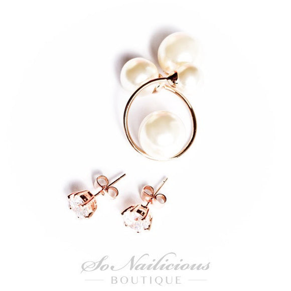 Mother of Pearls Stud Earrings with Crystals