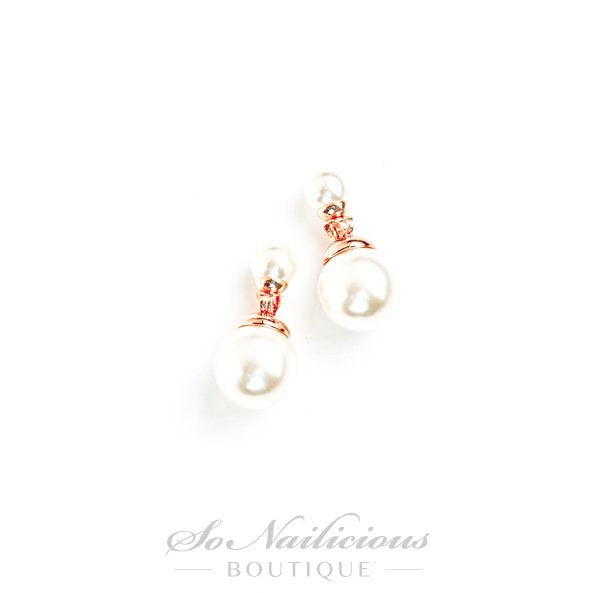Mother of Pearls Stud Earrings - ONLY 1 LEFT!