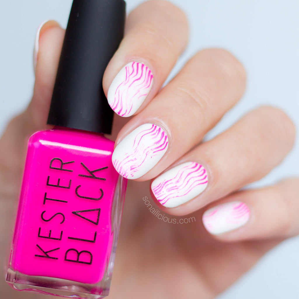 Fan brush nail art with KESTER BLACK Barbie