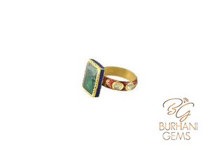 ROYAL ANTIQUE COLOMBIAN EMERALD RING