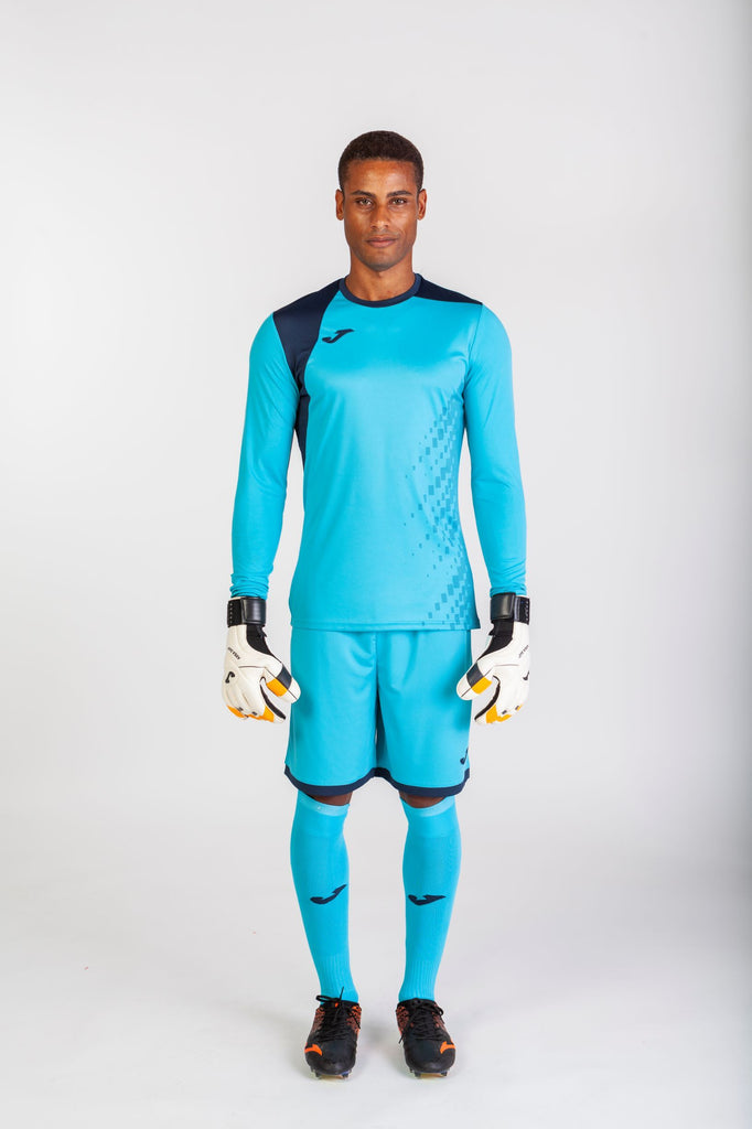 Goalkeepers Gloves & Clothing