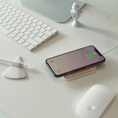 MOTIF | Wireless Charging Pad for iPhone X, iPhone 8 Plus, iPhone 8 - Pink