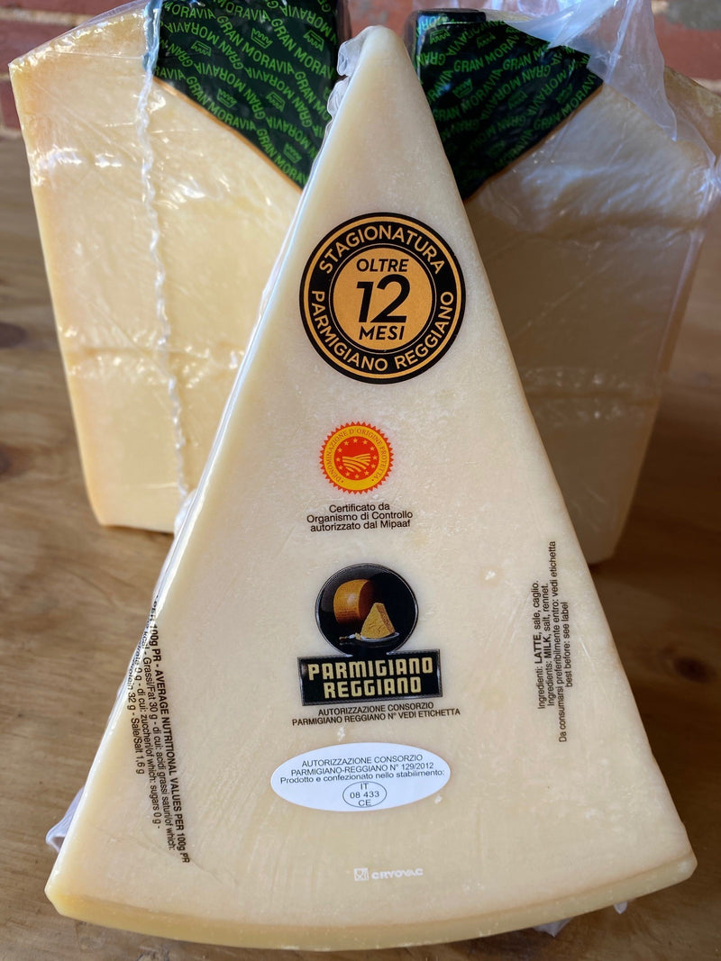 Parmagiano Reggiano wedge *RW* priced per kilo