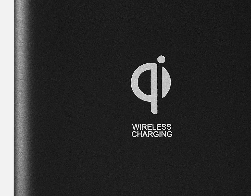 Qi logo on wireless power bank
