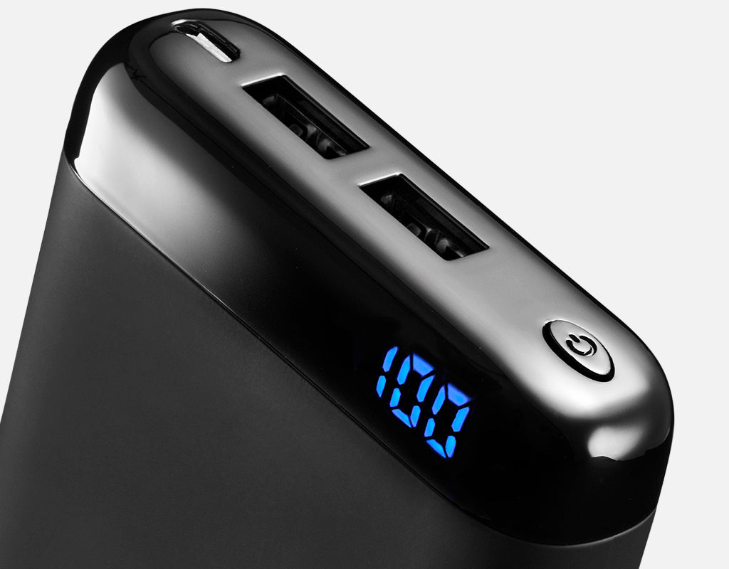 Qi10 wireless power bank battery display