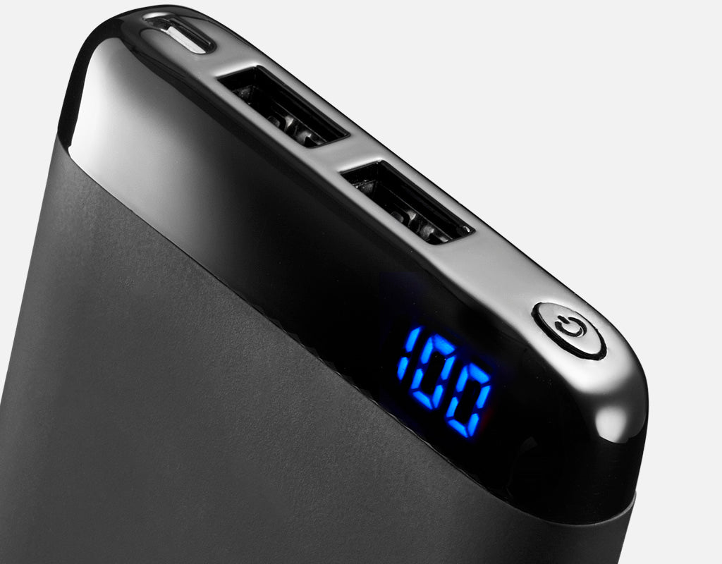 Qi5 wireless power bank battery display
