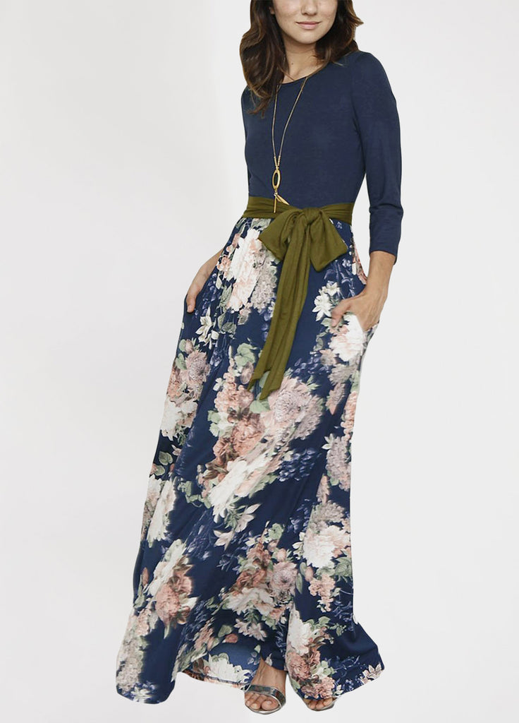 Easy and effortless maxi dress featured in an allover floral print