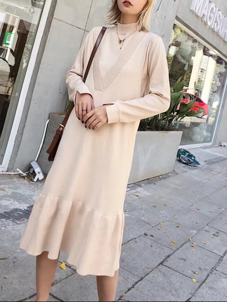 Slaying In Two Plunging Neck Knit Flared Midi Dress