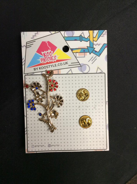 MP0075 - Multi Colour Gold Flower Metal Pin Badge