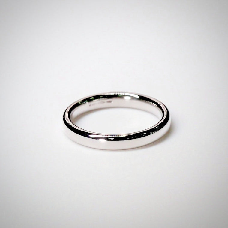 2.8mm Slight Court Platinum Wedding Ring