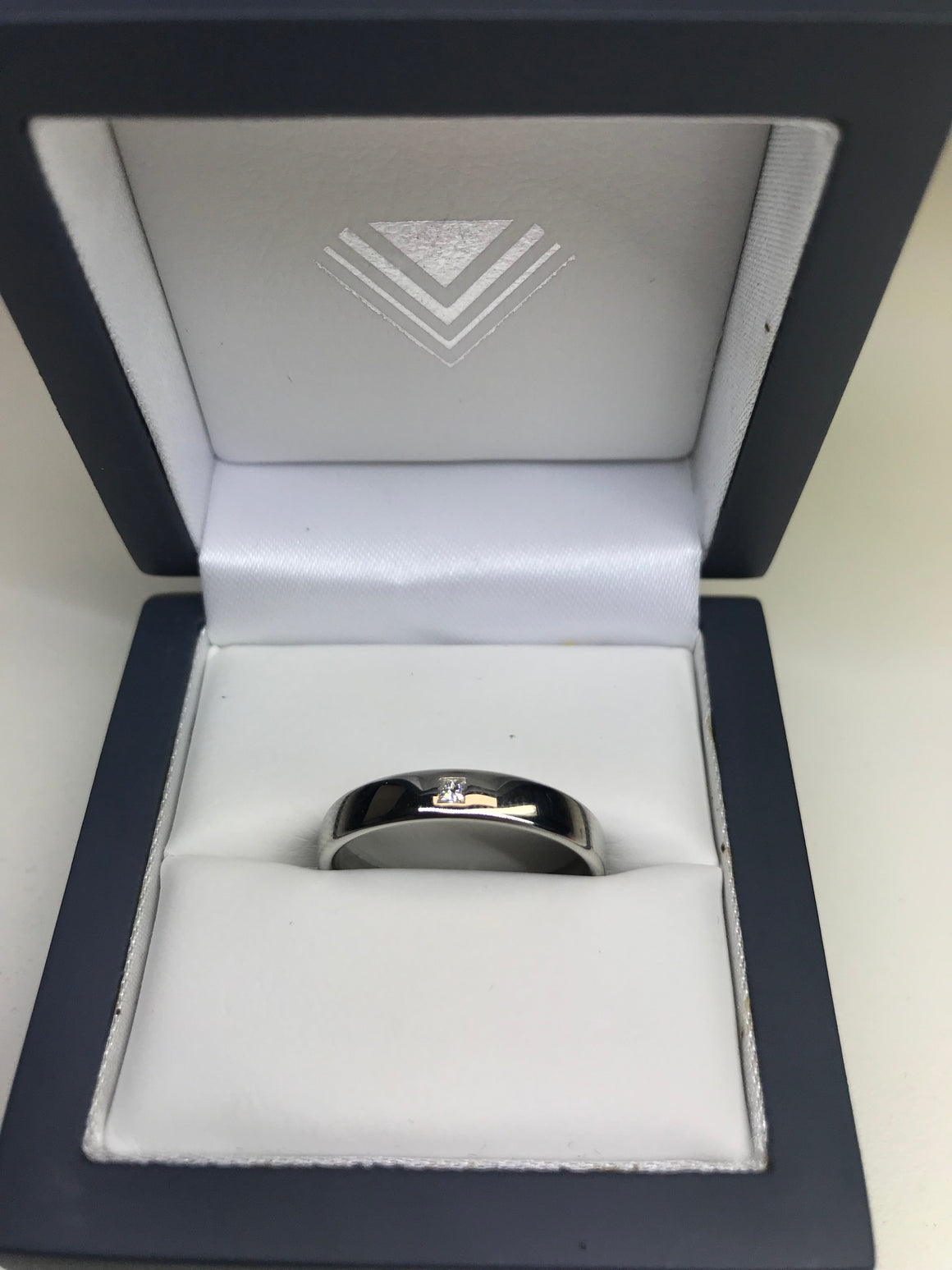 4MM PLATINUM WEDDING BAND DIAMOND SET
