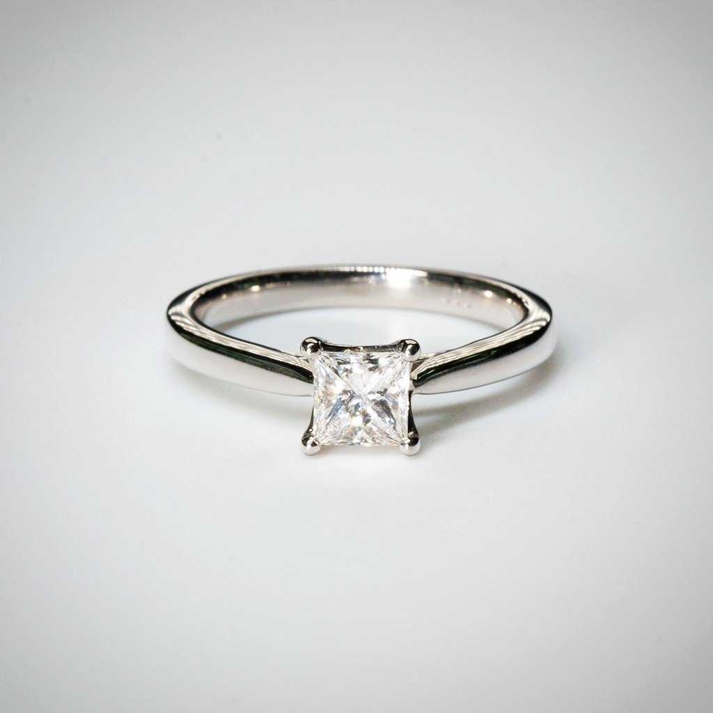 Princess 0.62ct E SI1 IGI Diamond Ring in Platinum