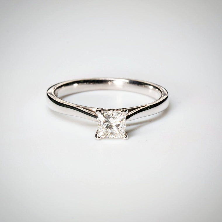 Princess 0.59ct G VS2 GIA Diamond Ring in 18K White Gold