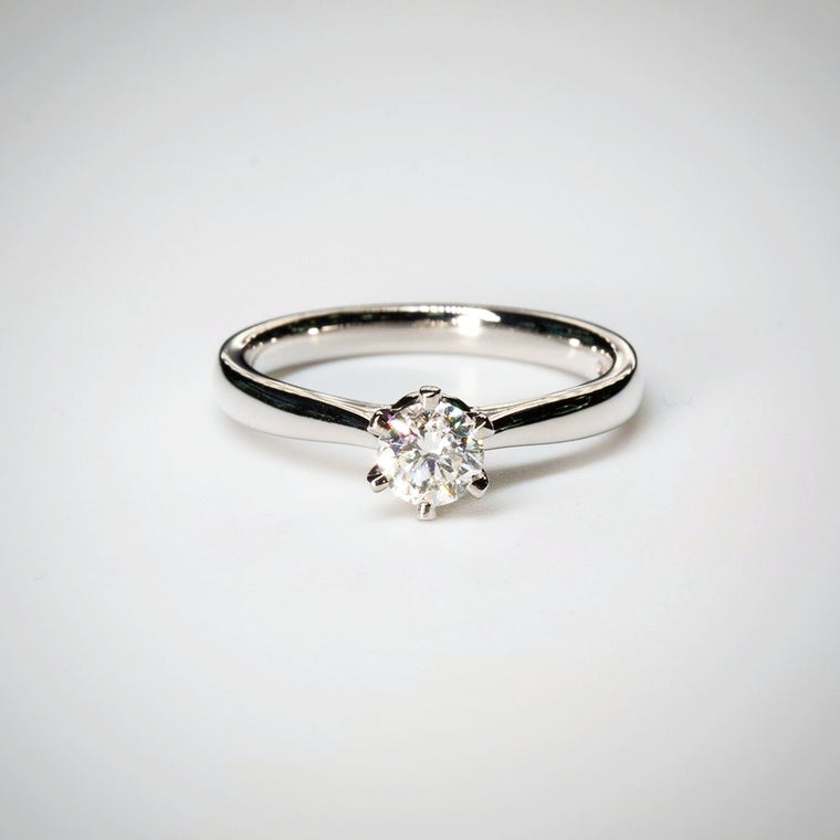Round 0.41ct G SI1 IGI Diamond Ring in Platinum