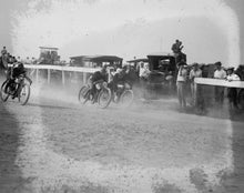 1922 photo Motorcycle races, 9/5/22 Vintage Black & White Photograph d2