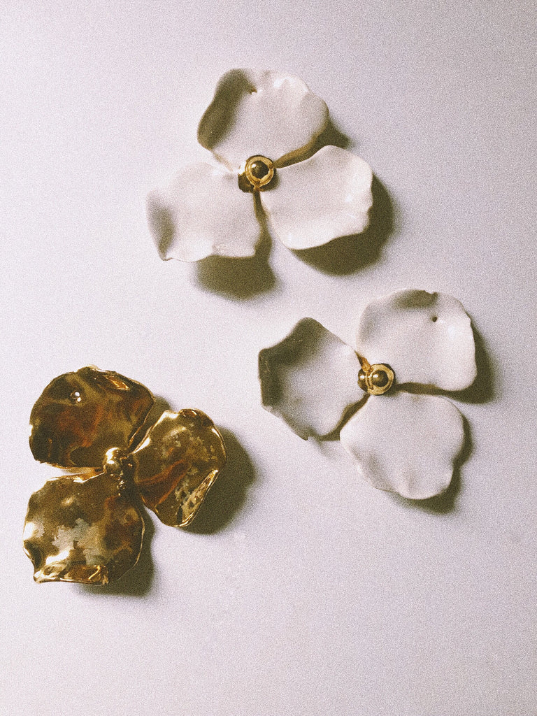 Flowering Dogwood | Fleur No.1 22k Gold | Mother of Pearl | White
