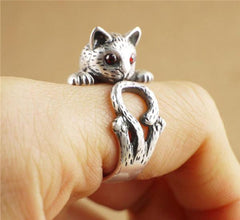 Vintage Red Eye Cat Ring