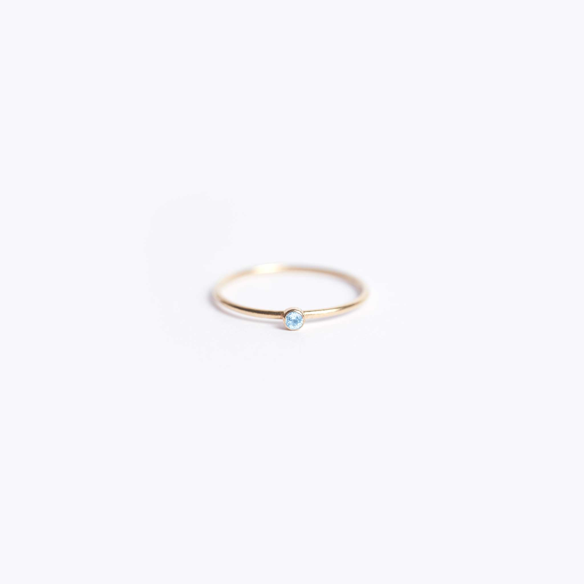 november birthstone | fine gold blue topaz ring