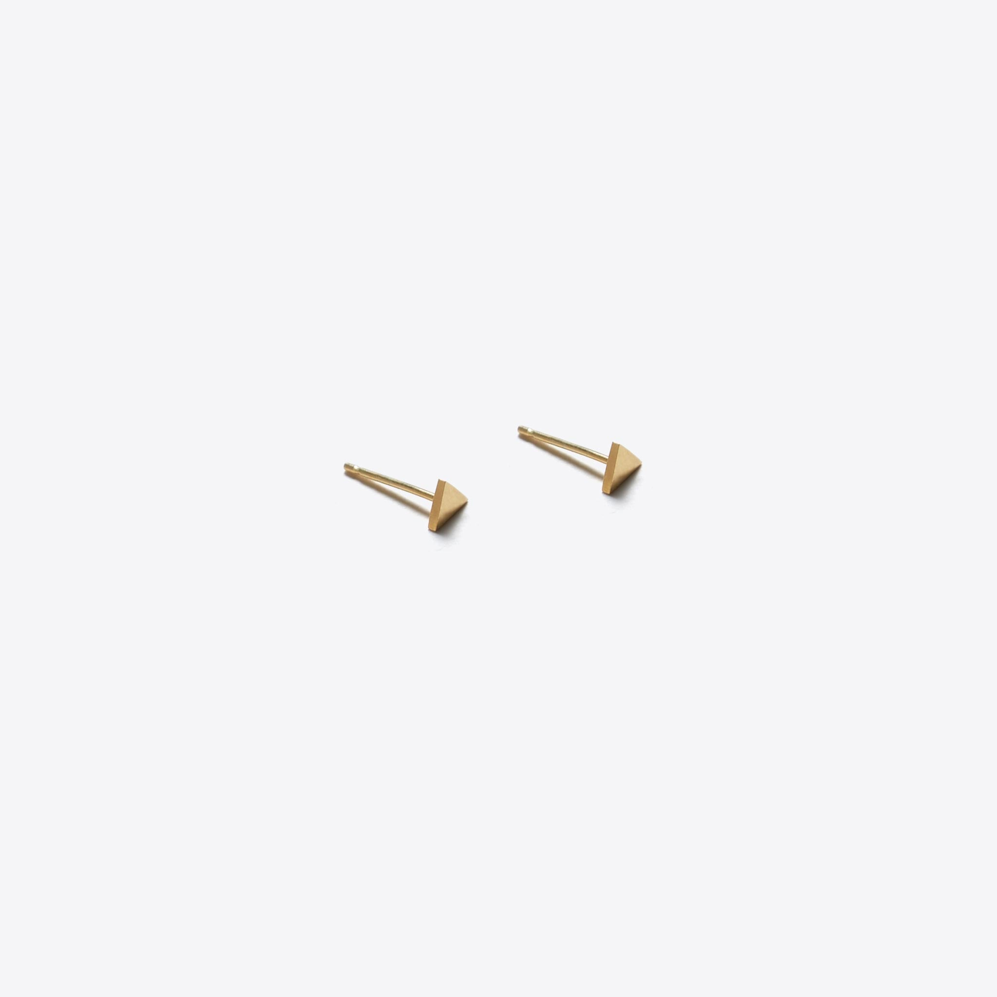 gold stud earring | fortis triangle