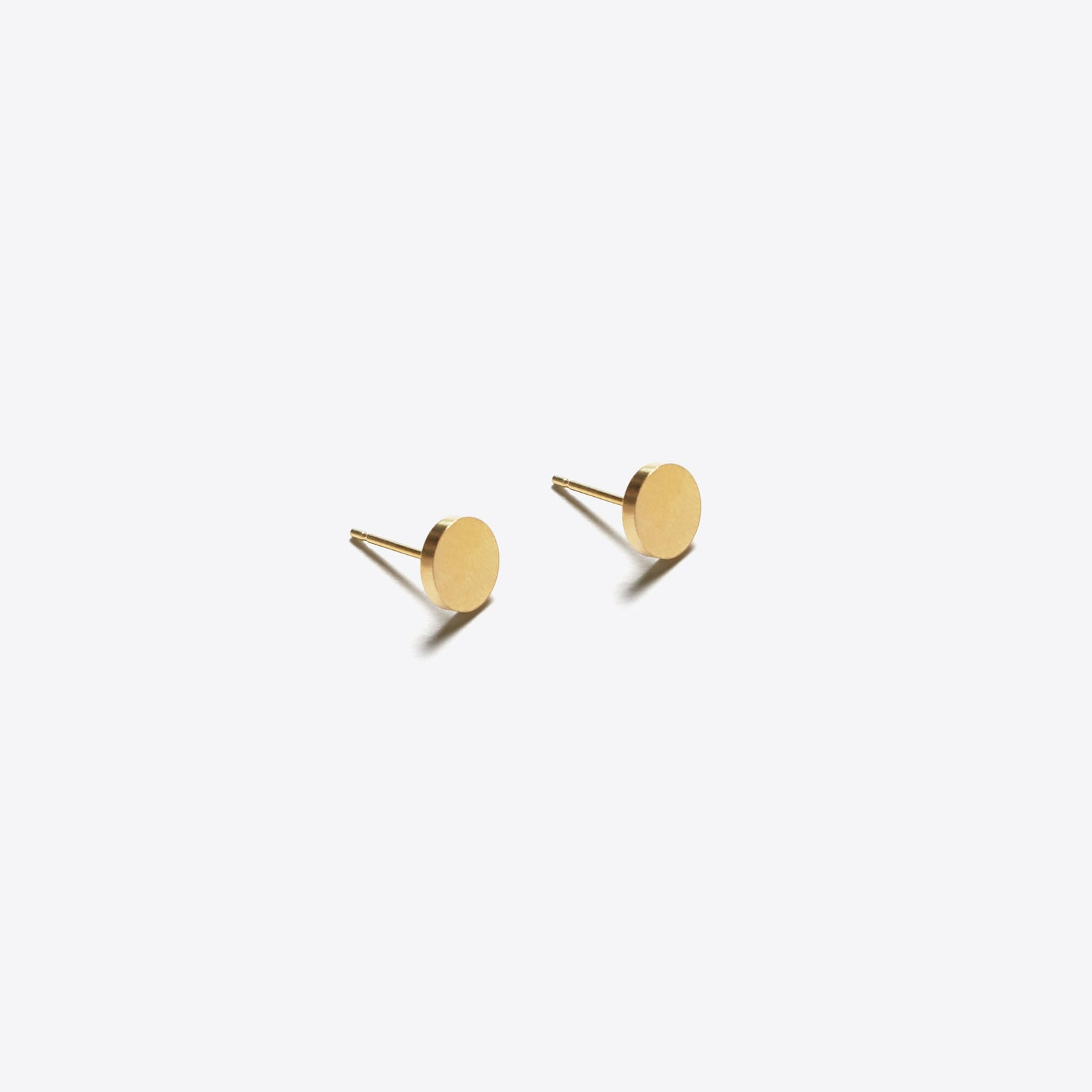 gold stud earring | unity circle