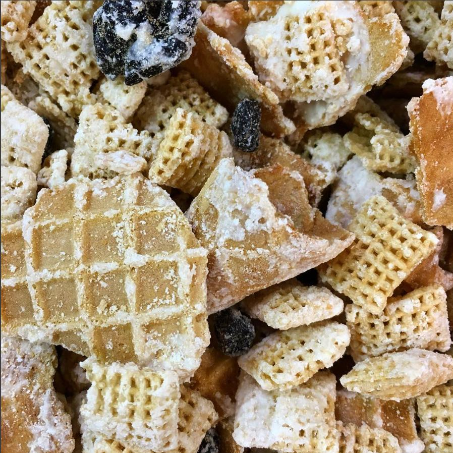 Snow Trax Snack Mix