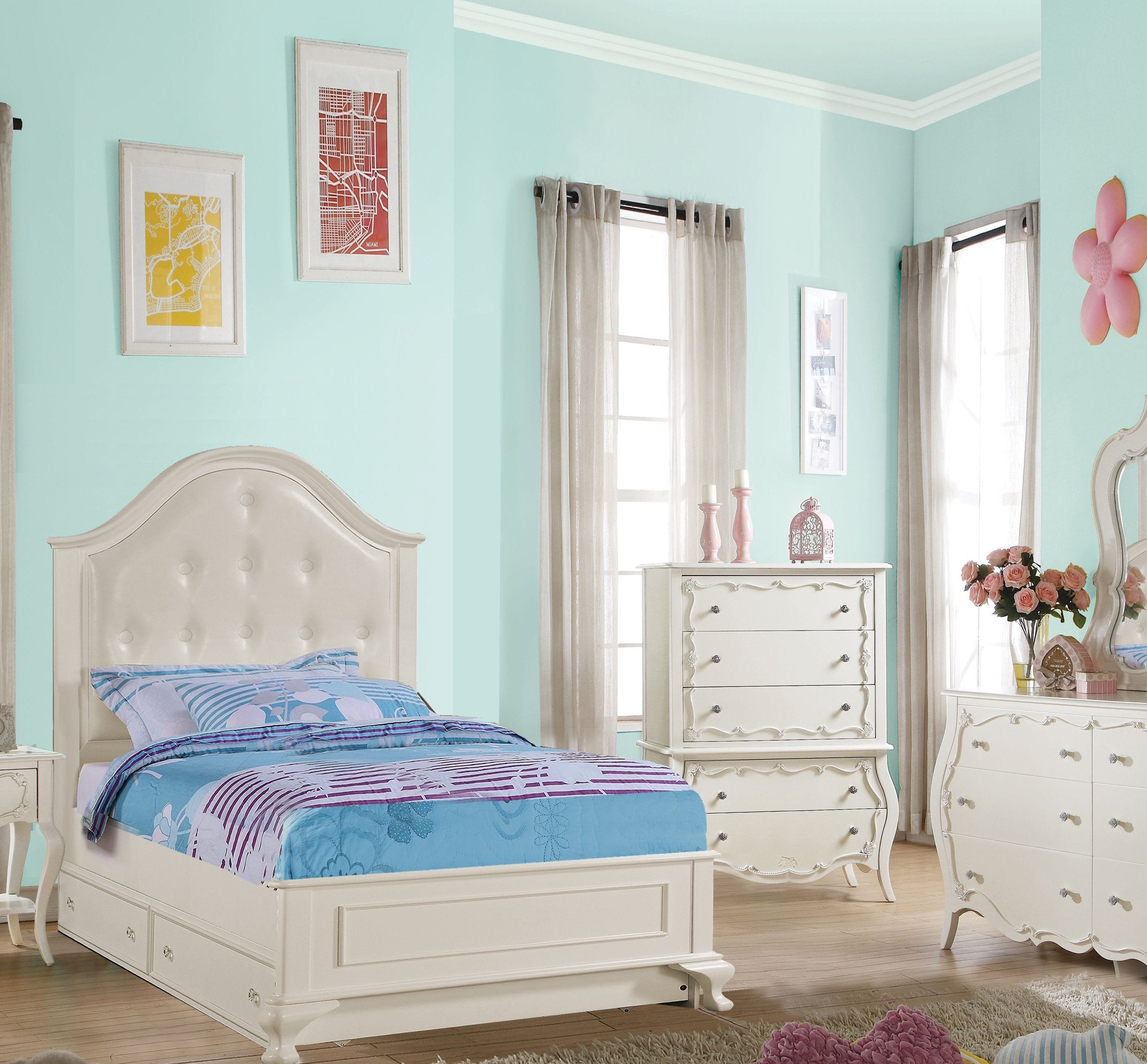 Surprising Youth Bedroom Furniture Shop Our Dallas Area Classic And Interior Design Ideas Helimdqseriescom