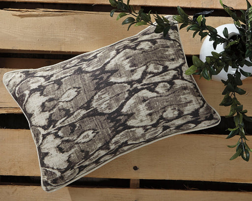 Osian Pillow - Canales Furniture