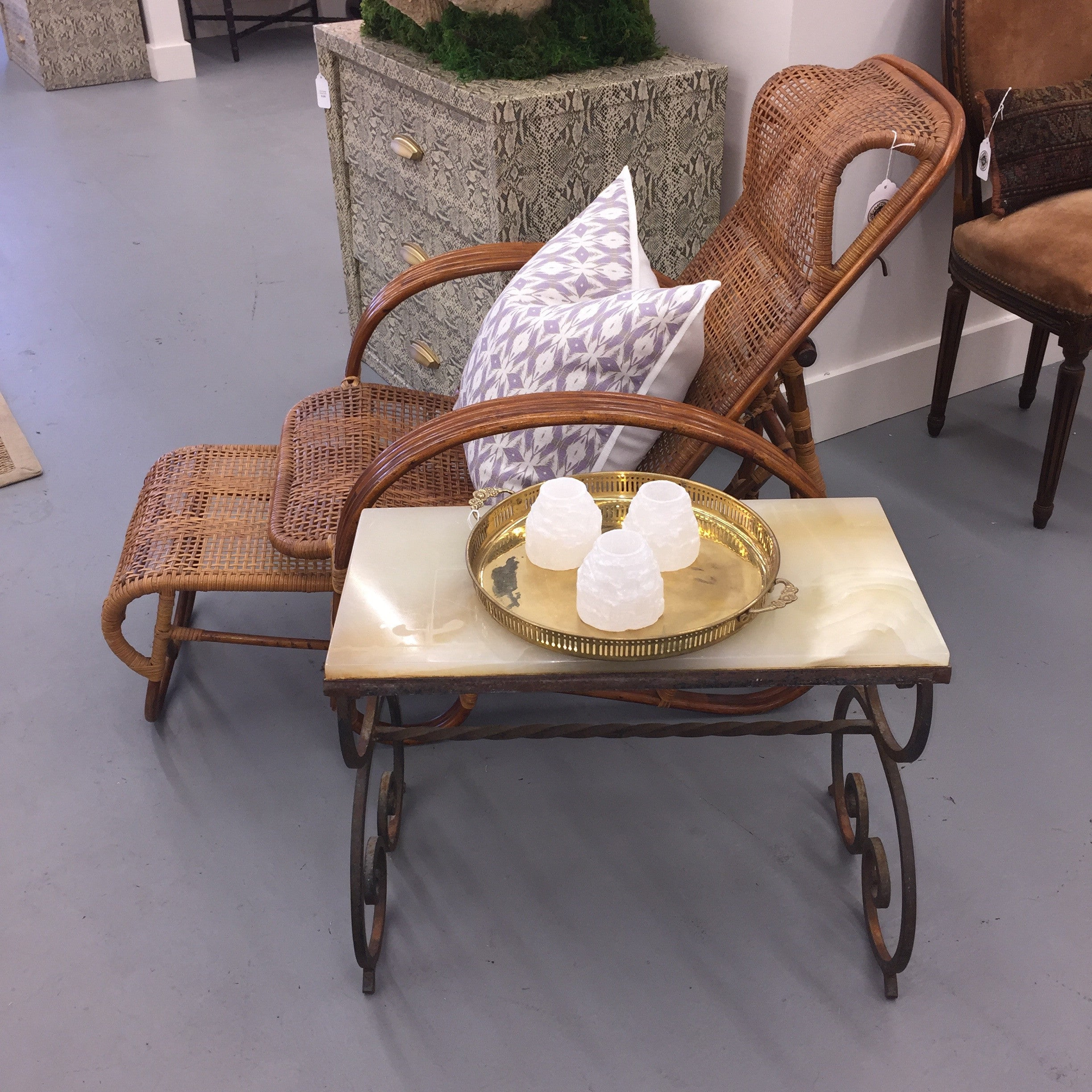 Wrought Iron Table with Quartz Top Park Eighth