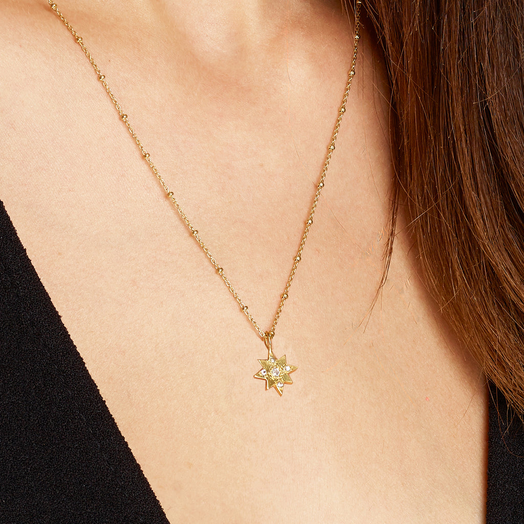 Small Star Necklace with White Sapphires - Gold