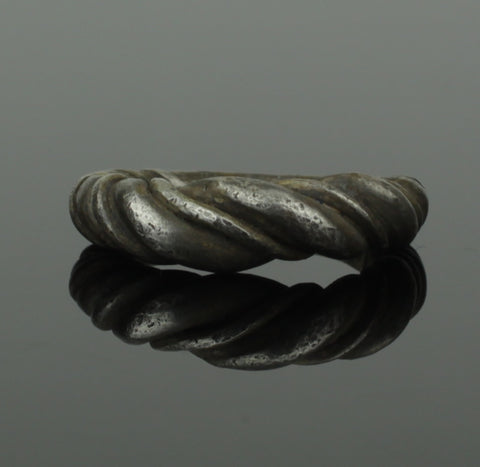 ANCIENT VIKING BRAIDED SILVER RING - CIRCA 9th/10th CENTURY 088