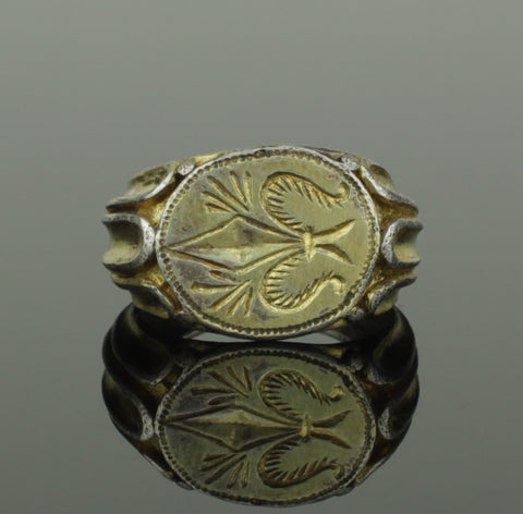 BEAUTIFUL ANCIENT MEDIEVAL SILVER GILT RING WITH FLEUR DI LIS - CIRCA 15TH C AD