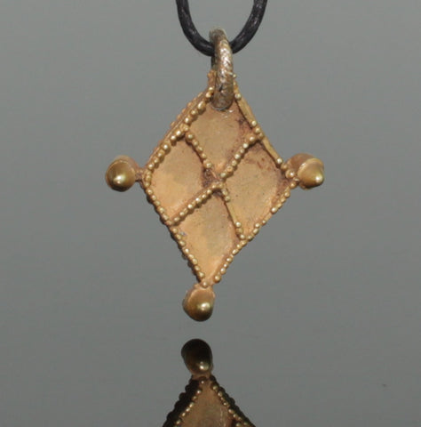 BEAUTIFUL ANCIENT VIKING GOLD PENDANT - CIRCA 9th/10th Century AD (052)