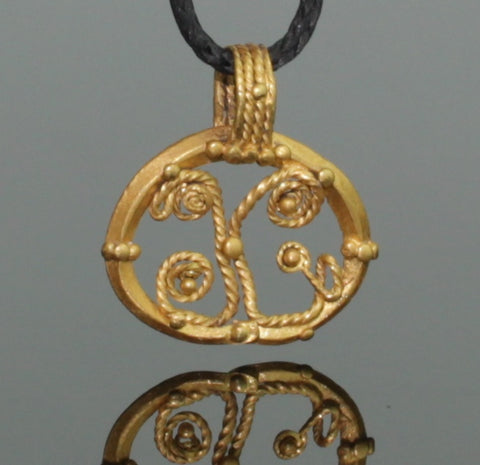 BEAUTIFUL ANCIENT ROMAN GOLD LUNA PENDANT - 2nd Century AD (091)