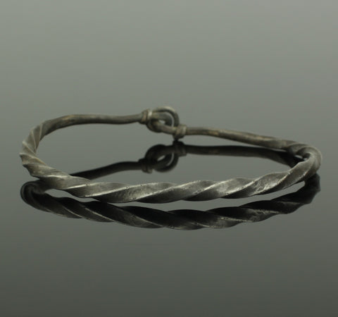 A BEAUTIFUL ANCIENT VIKING SILVER BRACELET - CIRCA 9th/10th Century AD (909)