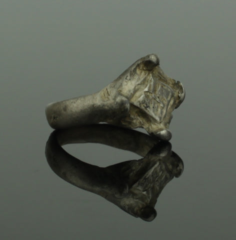 ANCIENT VIKING SILVER RING - CIRCA 9th/10th CENTURY (798)