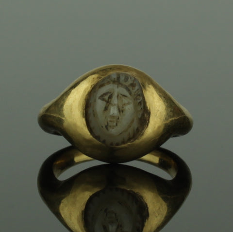 "ANCIENT ROMAN GOLD CAMEO RING ""MINERVA"" - 2nd Century AD (544)"