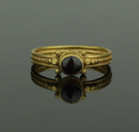 ANCIENT ROMAN GOLD & GARNET RING - 1st/2nd Century AD (670)