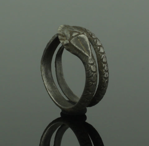 ANCIENT ROMAN SILVER SERPENT RING - 2nd Century AD (435)