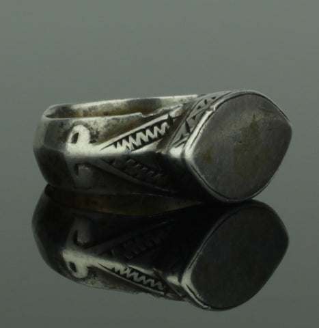 HEAVY ANCIENT MEDIEVAL SILVER RING - CIRCA 14TH CENTURY AD