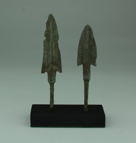 2 X MUSEUM QUALITY LURISTAN BRONZE AGE ARROWHEADS 1200-800BC 012