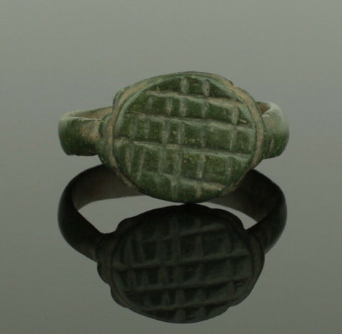 ANCIENT ROMAN BRONZE RING - CIRCA 2ND CENTURY AD 032