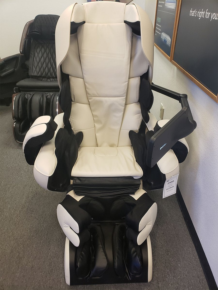 Inada Robo Massage Chair (Open Box Special)- Ivory