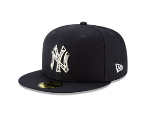 Men's New York Yankees Fractured Metal Silver 59Fifty Fitted New Era Hat - Bleacher Bum Collectibles, Toronto Blue Jays, NHL , MLB, Toronto Maple Leafs, Hat, Cap, Jersey, Hoodie, T Shirt, NFL, NBA, Toronto Raptors