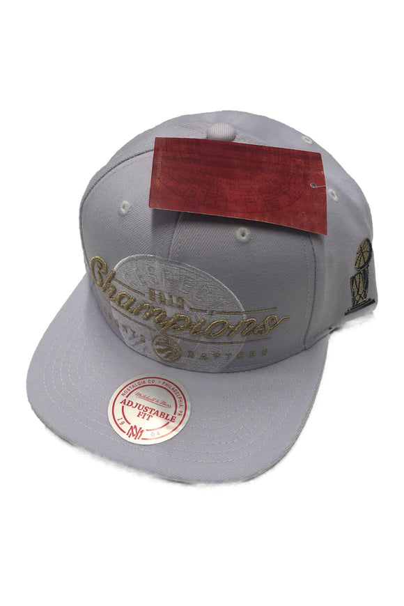 Men's Toronto Raptors NBA 2019 Respect The Champions Trophy Mitchell & Ness Cap White Snapback
