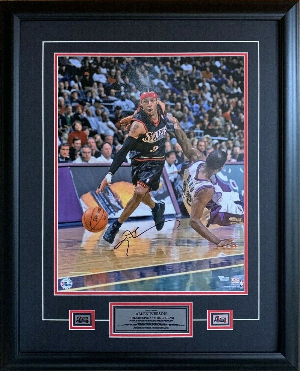 """Allen Iverson Philadelphia 76ers Autographed 16"""" x 20"""" Driving Photo Framed with Plaques"""